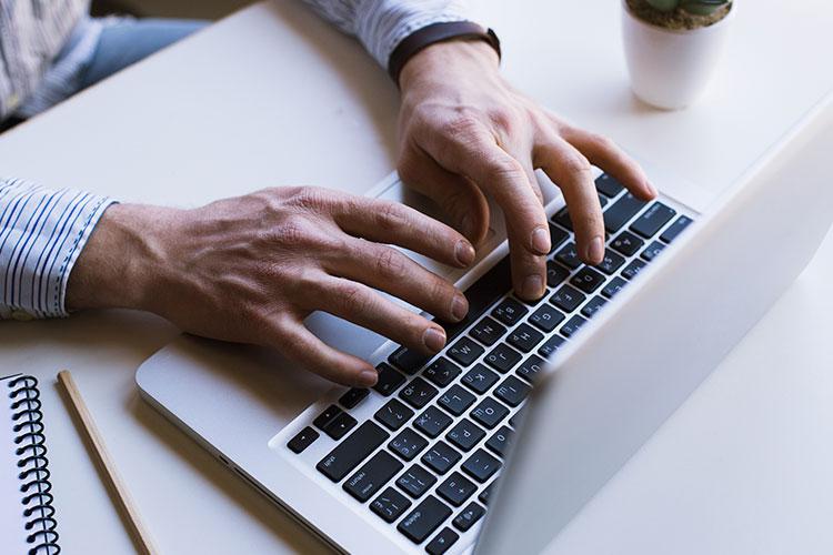 Disponível o Manual de Orientação do eSocial para utilização do ambiente Web Geral - Capanema e Belmonte Advogados